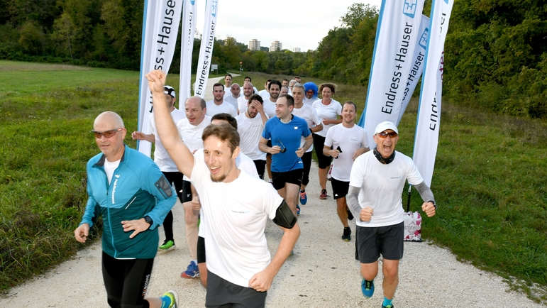 On the move for a good cause: the participants of the first Endress+Hauser Water Challenge